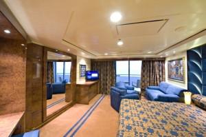 Splendida Yacht Club YC1 MSC0910640_MED